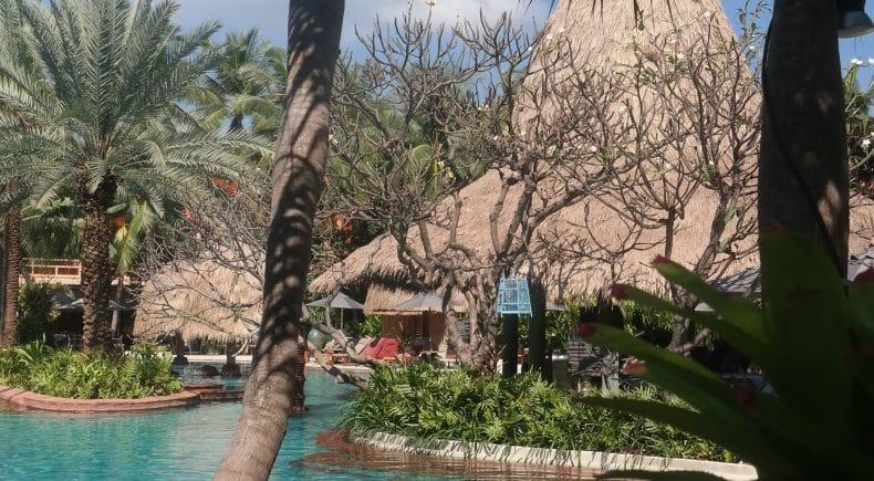 Anantara Hua Hin Resort pool